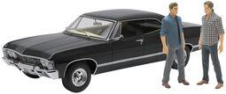Model Car - 1967 Chevrolet Impala Sport Sedan - med Sam och Dean-figurer