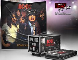 Rock Ikonz On Tour Highway to Hell Road Case Statue & Bühnenhintergrund Set